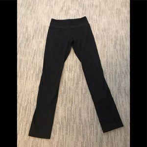 Black lululemon full length leggings.